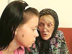Výstřik, Výstřiky, Babičky, Staré a mladé